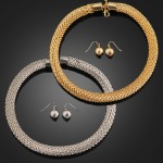 Linked Chain Collar Necklace and Earrings